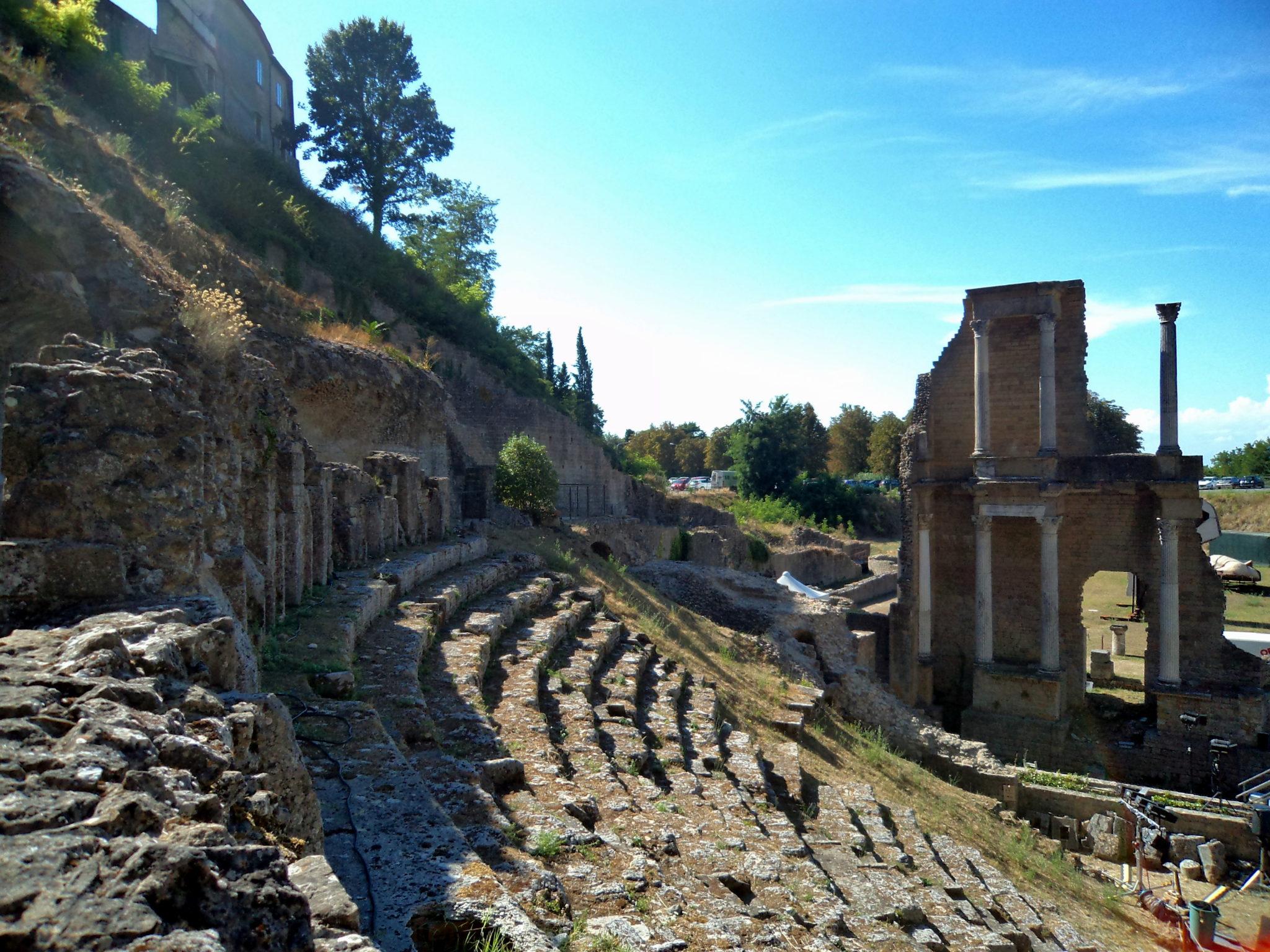 Rzymski amfiteatr w Volterrze