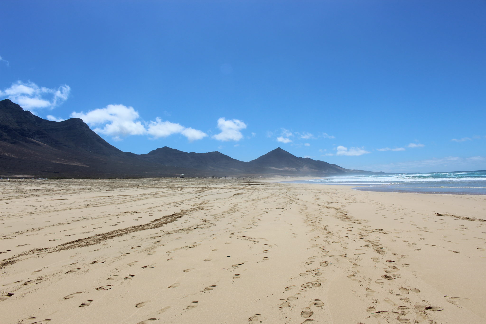 Ciekawa faktura piasku może ładnie urozmaicić zdjęcie.