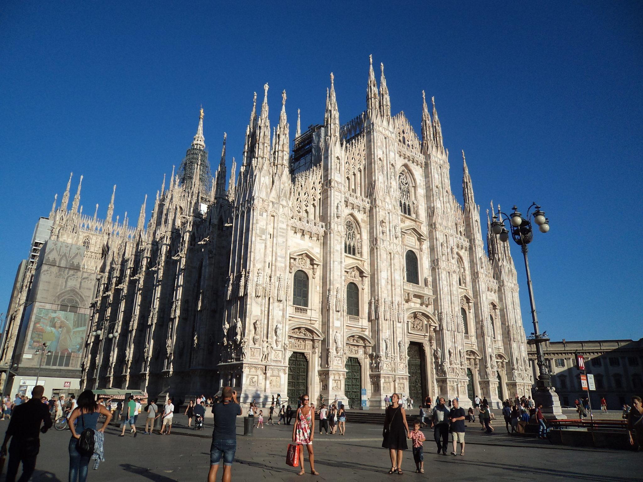 Katedralny dress code – jak ubrać się na zwiedzanie katedry