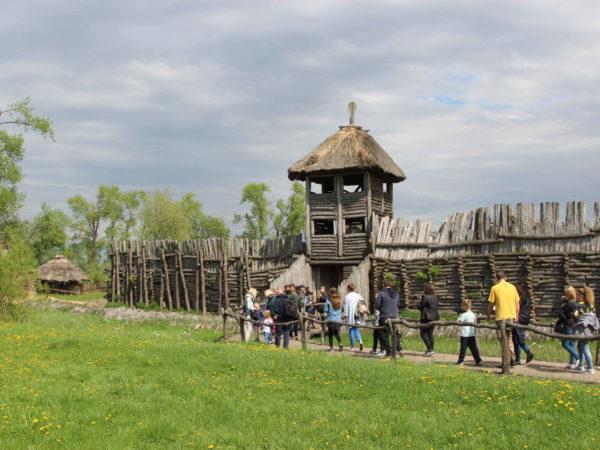Skansen archeologiczny w Biskupinie